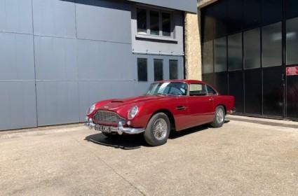 Aston Martin DB5 FR d'origine